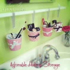 Cute DIY Hanging Makeup Organization - Top 58 Most Creative Home-Organizing Ideas and DIY Projects + bathroom design designs interior design design interior Diy Makeup Organizer, Diy Makeup Storage, Make Up Storage, Makeup Organization, Storage Ideas, Storage Organizers, Diy Storage, Makeup Drawer, Storage Buckets