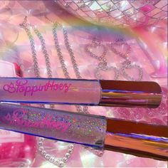 Bling Bling Bitch This lip gloss is xxxtra bling The most glitter in any lip gloss, if you're looking to be Best Lip Gloss, Diy Lip Gloss, Gloss Labial, Lip Gloss Homemade, Glitter Lips, Lip Oil, Glossy Lips, Aesthetic Makeup, Lip Care