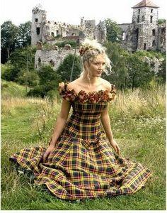 Plaid Bridesmaid dress. I'd wear this w heels or Doc's !!! ❤️