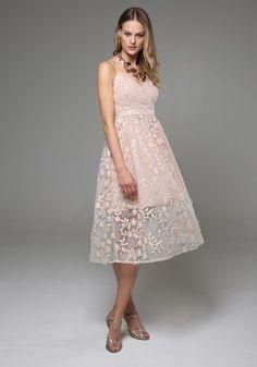 Μίντι φόρεμα με δαντέλα Formal Dresses, Fashion, Dresses For Formal, Moda, Formal Gowns, Fashion Styles, Formal Dress, Gowns, Fashion Illustrations