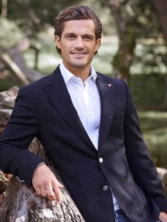 Prince Carl Philip of Sweden - Europe's hottest royal.sorry William and Harry, but Philip takes the cake! well Harry com eat the cake?