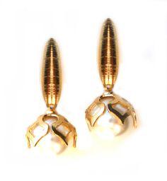 Especial da semana até dia 19/07 Desconto de 15% em todos os brincos http://www.ladylikebijouxfinas.com.br/pd-354daa-brinco-perola-tulipa Brinco Pérola tulipa