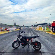 Wanna race? #burromax #nhra #gatewaymotorsportspark #electricminibike #minibike