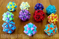 Origami Floral Globes designed by Tomoko Fuse & folded by me. Modular Origami, Diy Origami, Origami Paper, Origami Books, Origami Instructions, Origami Tutorial, Paper Art, Paper Crafts, Diy Crafts