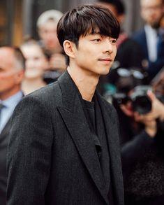 Gong Yoo Smile, Yoo Gong, Dramas, Goong Yoo, Goblin Gong Yoo, Hemsworth Brothers, Ji Chang Wook, Korean Actors, Memes