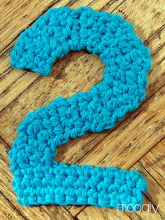 The Moogly Crochet Numbers - free patterns for For my girls second birthday party! Moogly Crochet, Filet Crochet, Diy Crochet, Crochet Crafts, Crochet Stitches, Crochet Baby, Crochet Projects, Crochet Letters Pattern, Crochet Alphabet