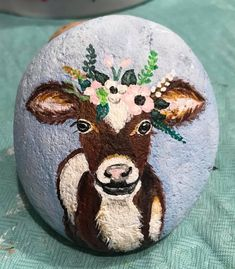 ✓ 50 Best Animal Painted Rocks for Beginner Rock Painters – Best Painting Cow Painting, Pebble Painting, Pebble Art, Stone Painting, Painted Rock Animals, Painted Rocks Craft, Hand Painted Rocks, Painted Stones, Rock Painting Patterns