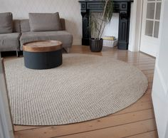New image round carpet ideas free sisal carpets carpets # . New image round carpet ideas free sisal carpets # … New picture round car Living Room Carpet, Bedroom Carpet, Rugs In Living Room, Textured Carpet, Patterned Carpet, Wall Carpet, Rugs On Carpet, Circular Rugs, Crafts