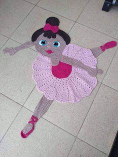 Qual a sua nota de 0 a 10 para esse c - Crochet Mat, Crochet Carpet, Crochet Pillow, Crochet Squares, Crochet Home, Love Crochet, Crochet Crafts, Crochet Dolls, Yarn Crafts