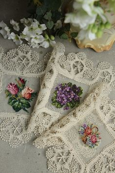 Raindrops and Roses Cross Stitch Bird, Cross Stitch Animals, Cross Stitching, Cross Stitch Embroidery, Silk Ribbon Embroidery, Hand Embroidery Patterns, Sewing Art, Sewing Crafts, Raindrops And Roses