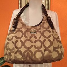 Coach shoulders purse Good condition no marks no stein very clean Coach Bags Shoulder Bags