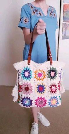 Crochet Beach Bags, Crochet Gifts, Crochet Handbags, Crochet Purses, Crochet Squares, Crochet Granny, Crochet Headband Pattern, Crochet Patterns, Sac Granny Square