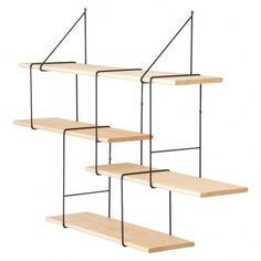 En exclusivité chez The Conran Shop, cette étagère Link est un concept original de rangement proposé par le designer berlinois Jörg Höltje.