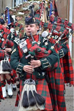 royal highland fusiliers pipes and drums - Google Search