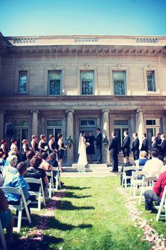 Outdoor summer wedding reception. #minneapolisweddingphotographers  #galemansion