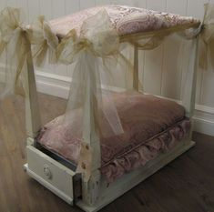 Love These Dog Beds Made From Upside Down End Tables! Hearts Of Glass: This  Is Made From An End Table Turned Upside Down.