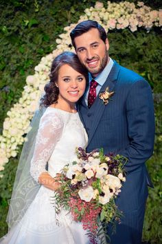 Jinger Duggar married Jeremy Vuolo in a church wedding ceremony in Arkansas. Jessa Duggar served as maid of honor and Vuolo's father officiated the vows. Jinger Duggar Wedding, Amy Duggar, Duggar Girls, Wedding Couples, Wedding Photos, Jeremy Vuolo, Dream Wedding, Wedding Day, Post Wedding