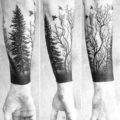 Florestas; seja ao vivo, com abundantes árvores ou nu, são geralmente difíceis de fazer, já que há um monte de detalhes que se passa no design. No entanto, se você encontrar um bom tatuador, o resultado final seria incrível como aqui.