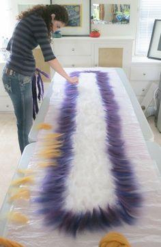 How to Make a Ruffle Scarf | Felt Evolution TUTORIAL DE BUFANDA http://www.feltevolution.com/ruffle-scarf/