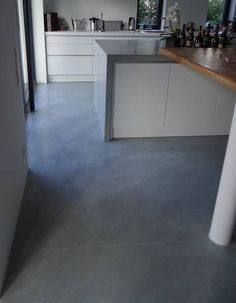 Spachtelboden sand colored - Bodenbelag - Home Epoxy Kitchen Inspirations, Early American Furniture, Wood Bars, Home, Furniture Maker, Concrete Floors, Wood Creations, Flooring, Study Style
