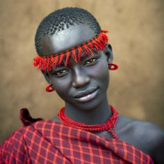 Faces of the World (Omo Valley in Ethiopia) Eric Lafforgue