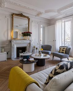 #paris #parisianstyle #architecteinterieur #interiordesign #design #decoration #architecture #renovation @bebitalia @le_deun_luminaires