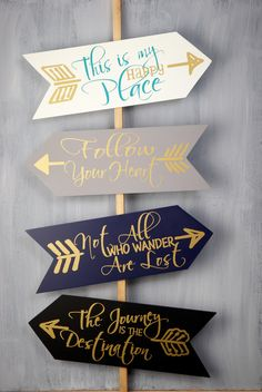 Arrow Signs (Set of 4)