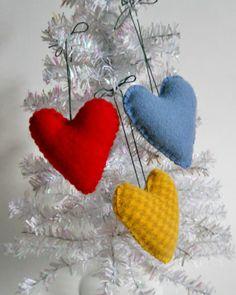 2013 Felt Chrismtas Tree Ornaments, Mini Heart Ornaments Felted Wool Puffy Hearts #2013 #felt #christmas #tree #ornaments www.loveitsomuch.com