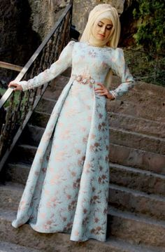 Muslim Women Fashion, Arab Fashion, Islamic Fashion, Hijabi Gowns, Simple Long Dress, Hijab Evening Dress, Hijab Style, Muslim Dress, Islamic Clothing