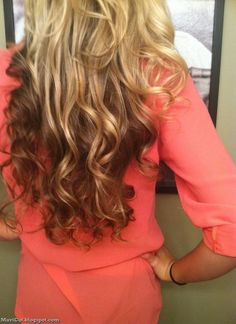 Of course the curls are gorgeous but I like the blonde on top and the dark color underneath! Can't wait to do that :)