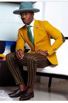 African Dresses Men, African Men Fashion, Dapper Gentleman, Dapper Men, Mens Fashion Suits, Mens Suits, Yellow Suit, Blue Suits, Men's Clothing