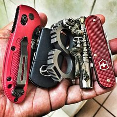 From @dfreshprinceofpenal - Have a great weekend. #Edc #knifecommunity…