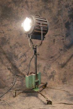 Mole-Richardson 410 movie studio spotlight & tres grand projecteur cinema MOLE RICHARDSON FRANCE 10k studio ... azcodes.com
