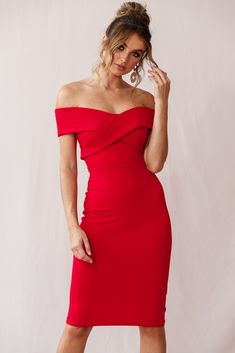 We offer going out dresses for every occasion that ship quickly and always look on-trend. Find sexy party dresses and accessories at Selfie Leslie today! Unique Prom Dresses, Prom Dresses With Sleeves, Red Party Dresses, Girls Dresses, Shop Red Dress, Dress Red, Ruffle Dress, Sexy Cocktail Dress, Off Shoulder Cocktail Dress