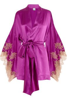 Carine Gilson - Theme Tamara lace appliqued silk satin robe this is adorable! Pretty Lingerie, Beautiful Lingerie, Lacy Lingerie, Purple Lingerie, Lingerie Sleepwear, Nightwear, Luxury Lingerie, Designer Lingerie, Look Fashion