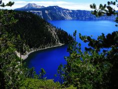 The Bluest Lake Ever: Crater Lake, Oregon - 2 hikes