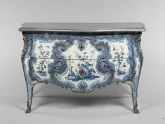 Matthieu Criaerd (1689-1787)  Commode  1742  Blue Room, Château de Choisy, France  Paris, France