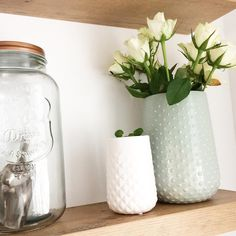 Mix en match de vazen van HEMA met jouw bloemen en planten voor het mooiste resultaat. #HEMAwonen #vazen #bloemen