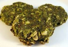 Spinach Dog Treats - Support your dog's health with homemade biscuits! This spinach, oats & cheese recipe is fun to make for furry friends.