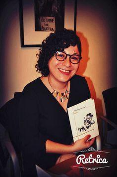 Jo amb el llibre, el dia de la presentació. foto de Laura Bernis, de Poesia Barcelona.