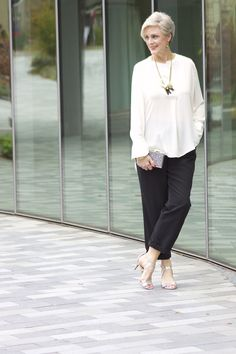 The Best Fashion Ideas For Women Over 60 - Fashion Trends Over 60 Fashion, Mature Fashion, Over 50 Womens Fashion, Fashion Mode, 50 Fashion, Look Fashion, Winter Fashion, Fashion Outfits, Fashion Trends