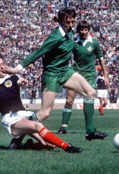 Allan Hunter Northern Ireland 1976 Retro Football, Football Jerseys, Ipswich Town Fc, Sports Stars, Northern Ireland, Tractor, Ms, Clock, Running