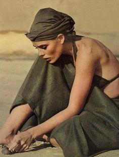 blueberrymodern:  Margaux Hemingway - Vogue, April 1975