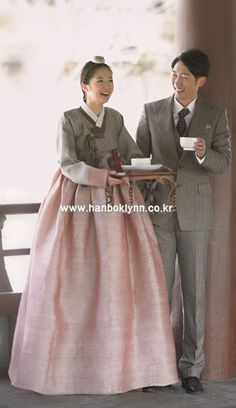 Hanbok, korean, 한복린- 한복. 전용뷰어 : 네이버 블로그 Korean Traditional Dress, Traditional Fashion, Traditional Dresses, Korean Dress, Korean Outfits, Hanbok Wedding, Modern Hanbok, Korean Design, Korean Women