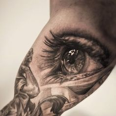 Realistic-black-and-white-tattoo-by-Niki-Norberg.jpg (376×376)