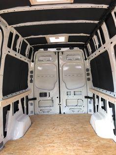VW Crafter Umbau: Vom Transporter zum Campervan in nur 4 Monaten Motor Car, Auto Motor, Camping Holiday, Flat Bed, Camper Interior, Transporter, Vw Bus, Campervan, Van Life