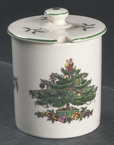 Spode, Christmas Tree (Green Trim) - Page 10 Christmas Cookie Jars, Christmas China, Spode Christmas Tree, Christmas Mugs, Christmas Crafts, Christmas Decorations, Xmas, Christmas Ideas, Apple Homekit