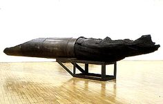 Magdalena Abakanowicz. Giver. 1992, wood and steel from the cycle War Games 130 x 95 x 563 cm.