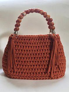 Crochet Purses And Bags Free Crochet Bag, Crochet Purse Patterns, Crochet Tote, Crochet Handbags, Crochet Purses, Crochet Yarn, Bag Patterns, Handmade Handbags, Handmade Bags