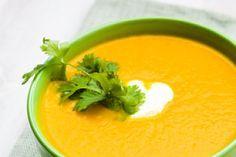 Potage aux carottes et pomme de terre avec thermomix, Une soupe qui réchauffe bien ! INGRÉDIENTS 750 g de carottes 200 g de pommes de terre 80 g d'oignon 20 …